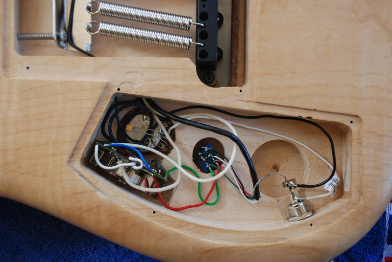Gitarrenbauprojekt 2012 … wie soll man sie bloß nennen? – Reicherz.net